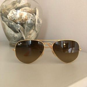 Rayban Aviator Sunglasses - Gold Frame